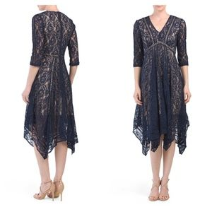 NWT TAYLOR Three-quarter Sleeve Lace Dress